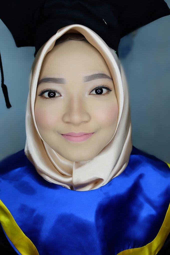 Graduation makeup by VidJei Makeup - 039