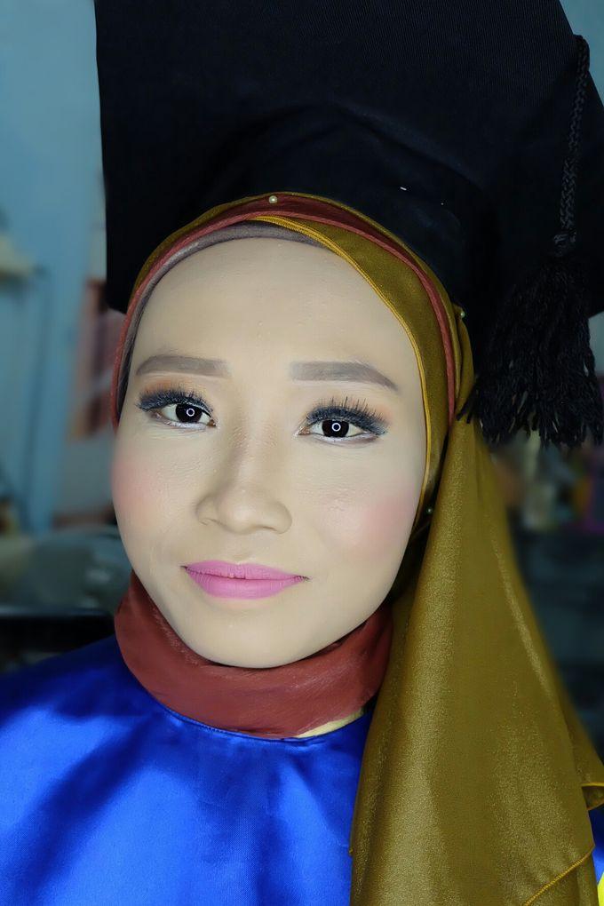 Graduation makeup by VidJei Makeup - 037