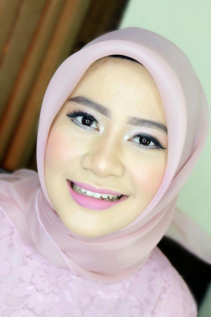 Graduation makeup by VidJei Makeup - 036
