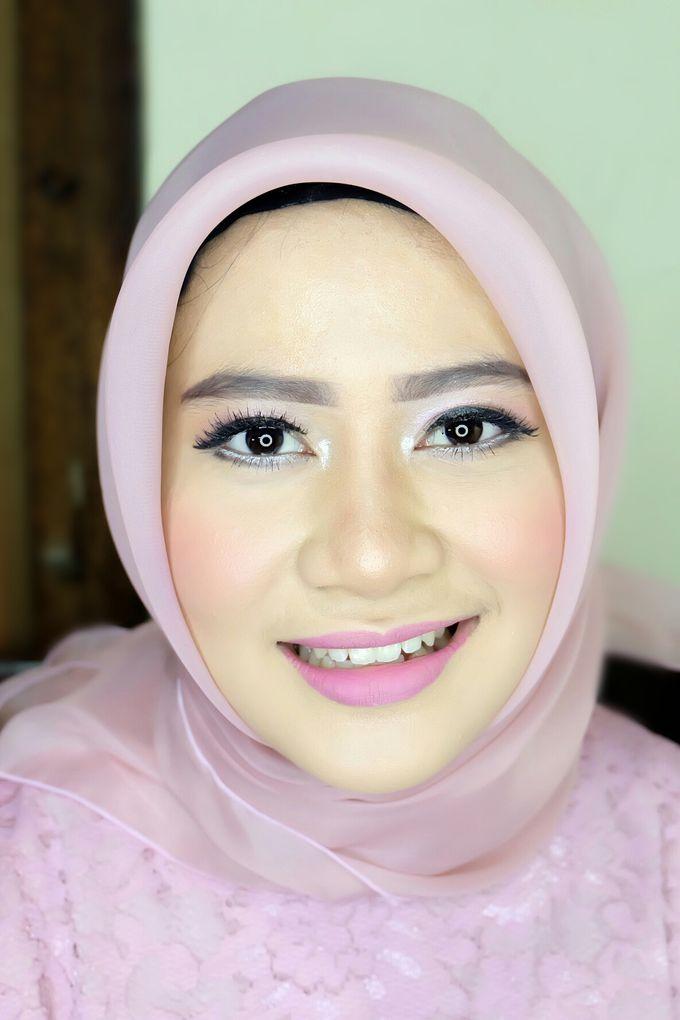 Graduation makeup by VidJei Makeup - 035
