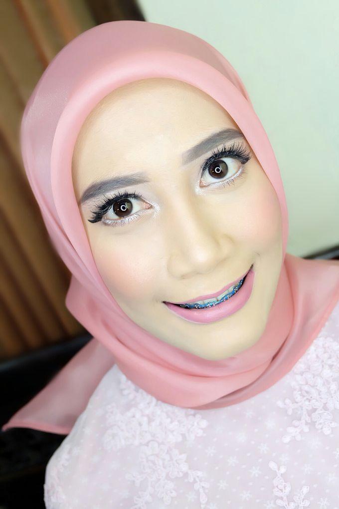 Graduation makeup by VidJei Makeup - 034