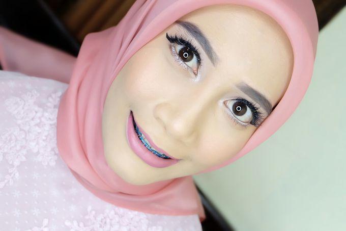 Graduation makeup by VidJei Makeup - 033