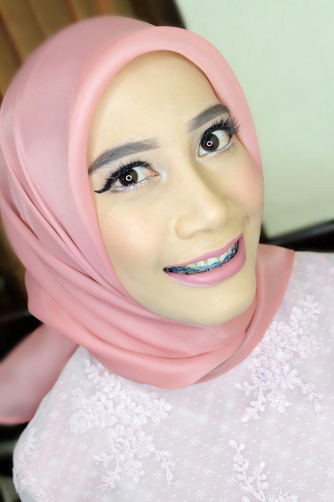 Graduation makeup by VidJei Makeup - 032