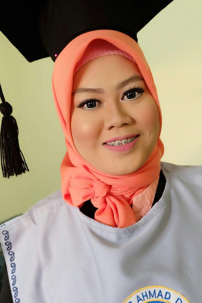 Graduation makeup by VidJei Makeup - 030