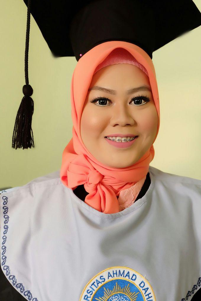 Graduation makeup by VidJei Makeup - 029