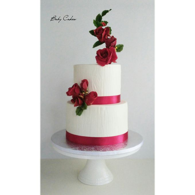 Single tier and multi tiered cakes by Baby Cakes - 043