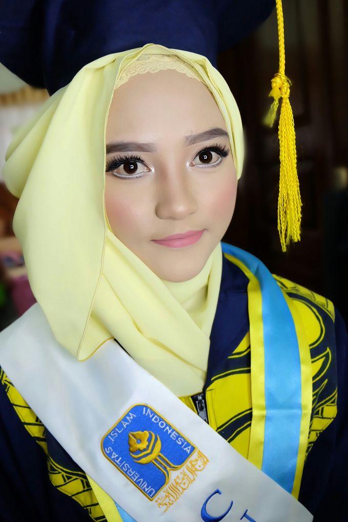 Graduation makeup by VidJei Makeup - 028