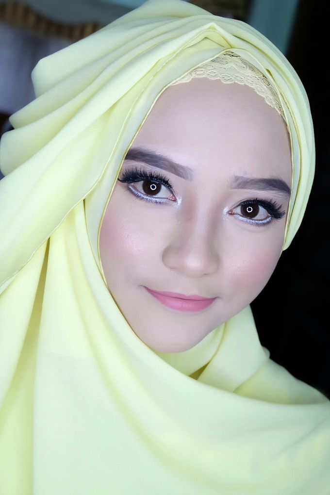 Graduation makeup by VidJei Makeup - 027