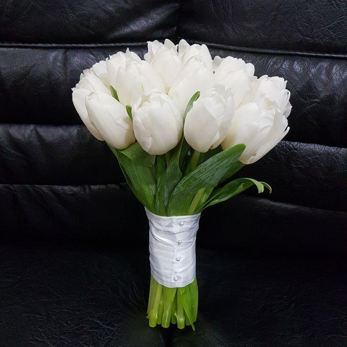 All Beauty In White Flower by nanami florist   Bridestory.com