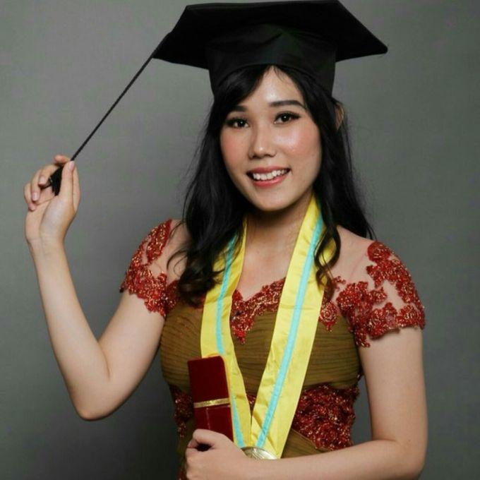 Photoshoot Graduation Ms.Fenecia by Nathalia Tjan Makeup - 003