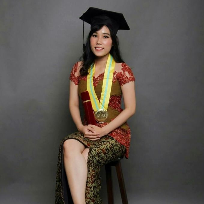 Photoshoot Graduation Ms.Fenecia by Nathalia Tjan Makeup - 002