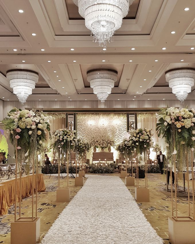 The Wedding Of Safirah And Agsal by Dream Decor - 010
