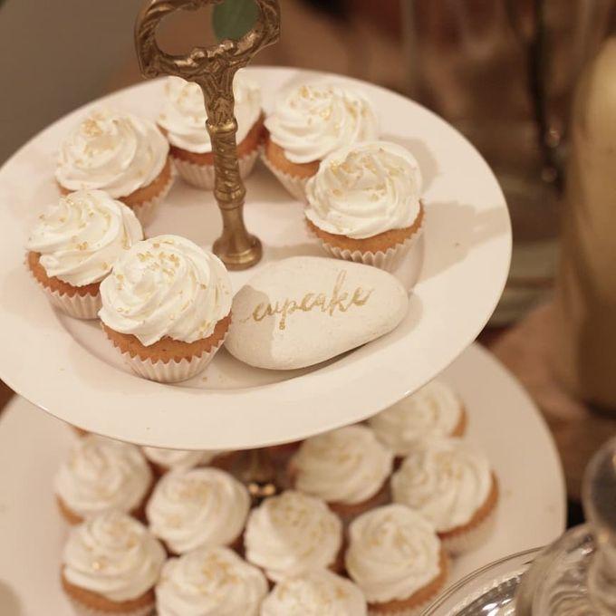 Rustic Dessert Table by Gordon Blue Cake - 013