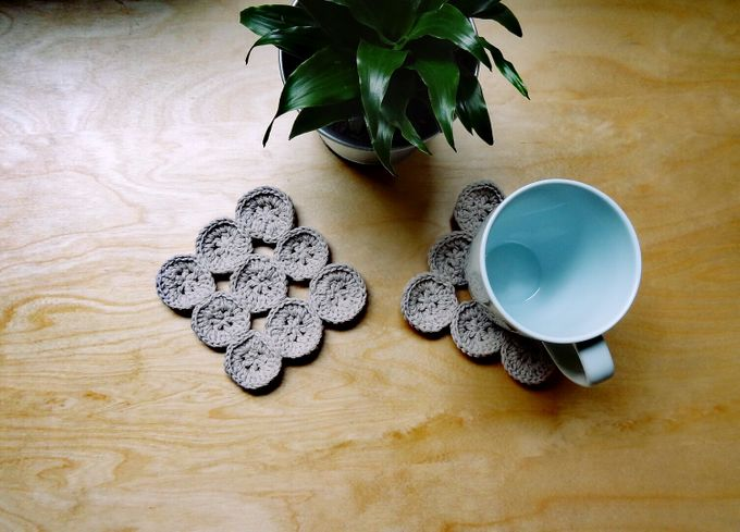 Chic Coaster by Coco's Knit - 009