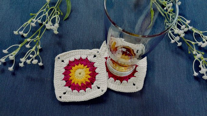 Chic Coaster by Coco's Knit - 010