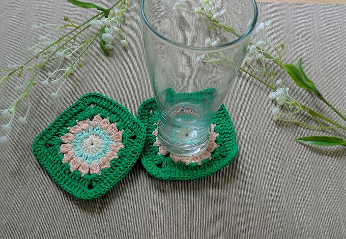 Chic Coaster by Coco's Knit - 013