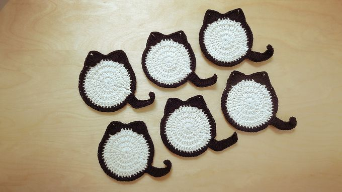 Chic Coaster by Coco's Knit - 014