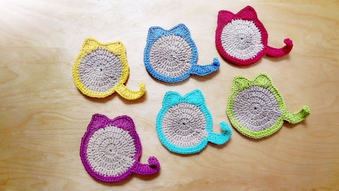 Chic Coaster by Coco's Knit - 025