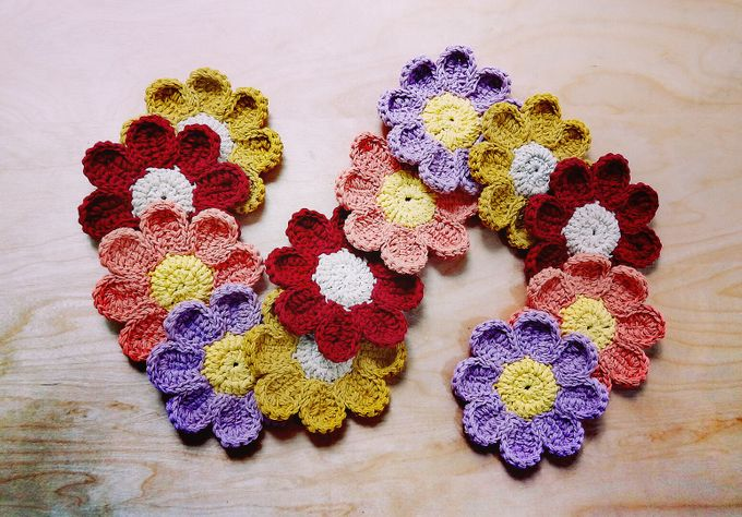 Chic Coaster by Coco's Knit - 022
