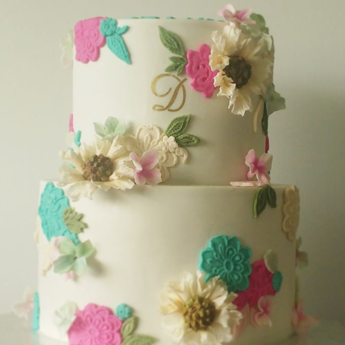 Single tier and multi tiered cakes by Baby Cakes - 042