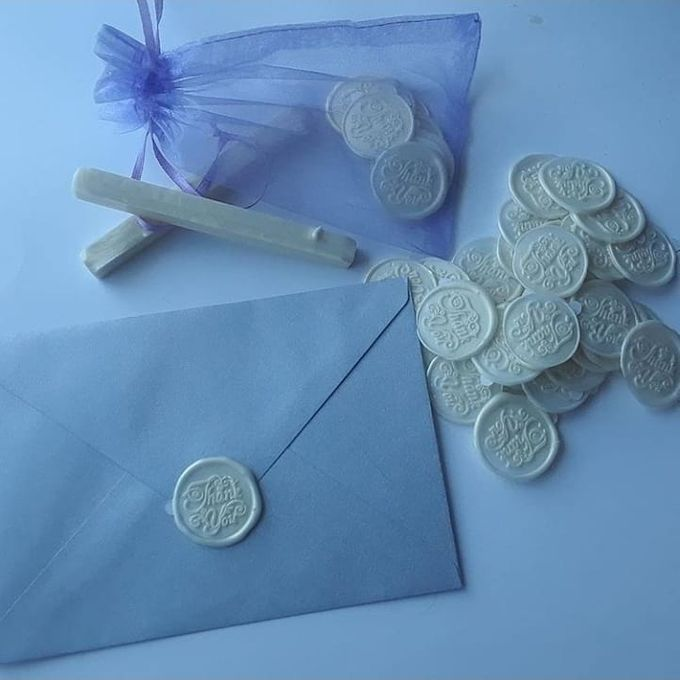 Wax Seals, Calligraphy, Place cards, European Bead by Manuscribe Calligraphy - 001
