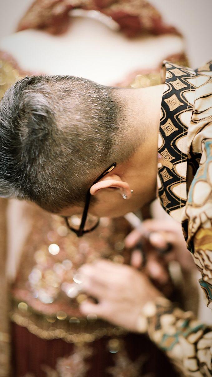 Riri & Dimas Wedding by SVARNA by IKAT Indonesia Didiet Maulana - 016