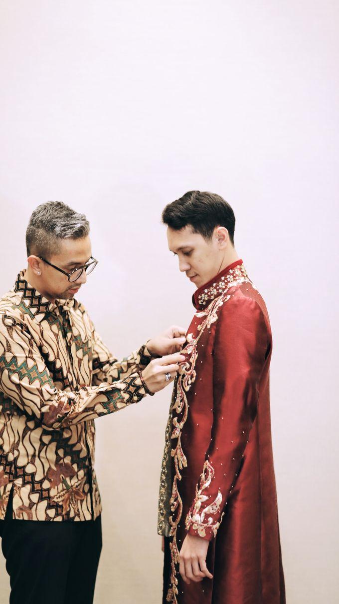 Riri & Dimas Wedding by SVARNA by IKAT Indonesia Didiet Maulana - 004