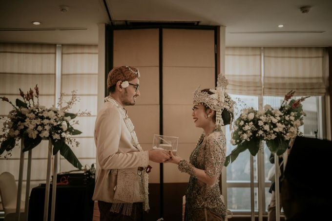 "From The wedding Of ""Giza & Randi"" by Nadhif Zhafran Photography - 011"
