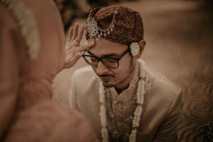"From The wedding Of ""Giza & Randi"" by Nadhif Zhafran Photography - 009"