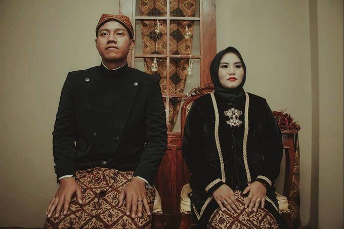 Traditional Prewedding Indoor by Vintageopera Slashwedding - 004