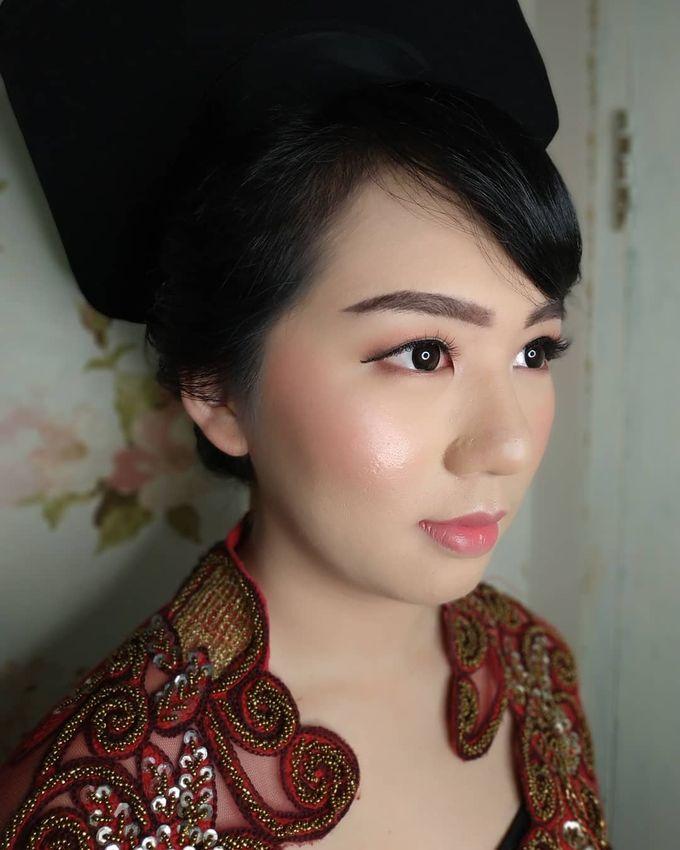Graduation Makeup by Desy Lestari Makeup - 003