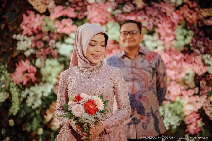 Windi Radit Engagement by Chandira Wedding Organizer - 004