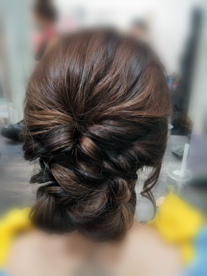 Hairstyling By Lili by Lili Makeup Specialist - 011