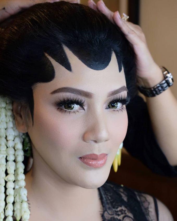 Makeup Pengantin Adat Jawa by Karen Shenna Makeup Artist - 004