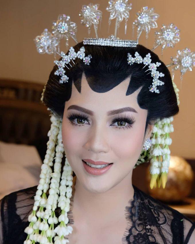 Makeup Pengantin Adat Jawa by Karen Shenna Makeup Artist - 006