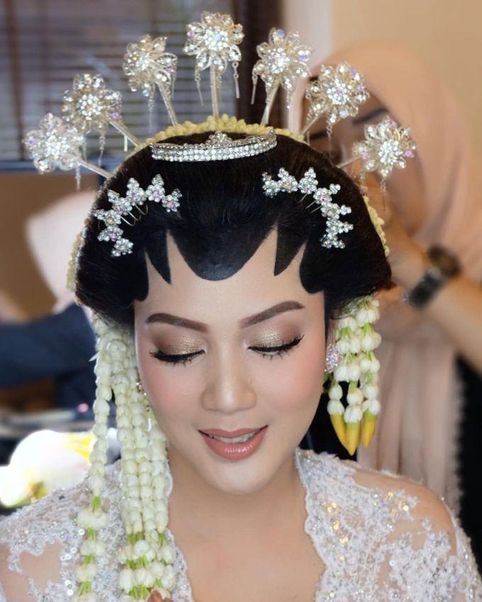 Makeup Pengantin Adat Jawa by Karen Shenna Makeup Artist - 011