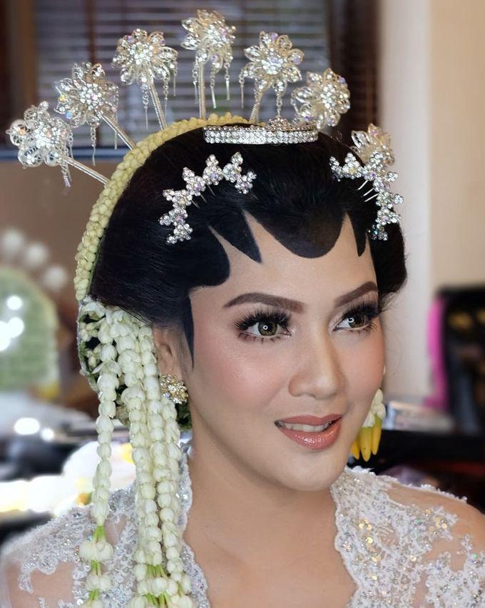 Makeup Pengantin Adat Jawa by Karen Shenna Makeup Artist - 009