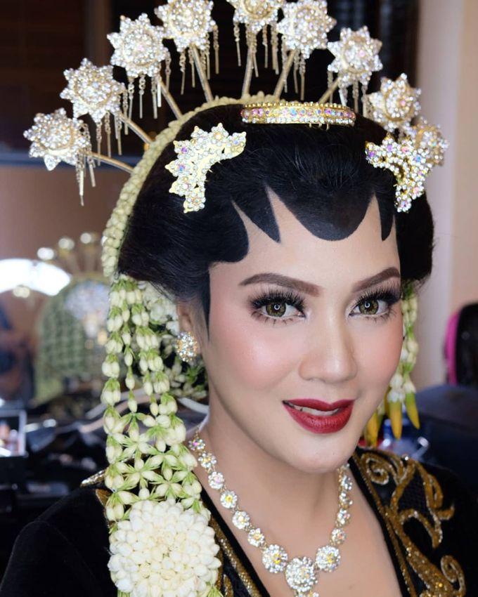 Makeup Pengantin Adat Jawa by Karen Shenna Makeup Artist - 007