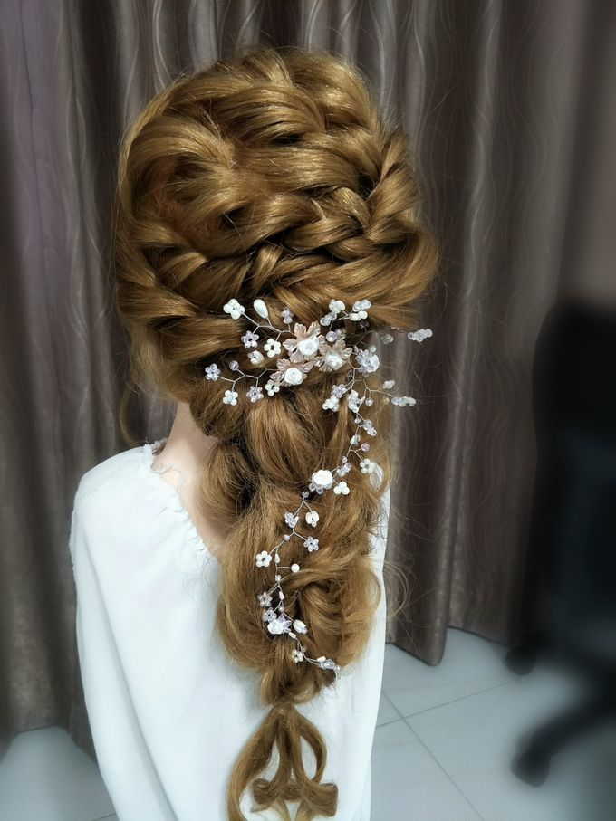 Hairstyling By Lili by Lili Makeup Specialist - 013