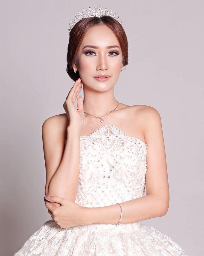 Bridal Fashion Show by Nadya Artamara Make Up Artist - 003