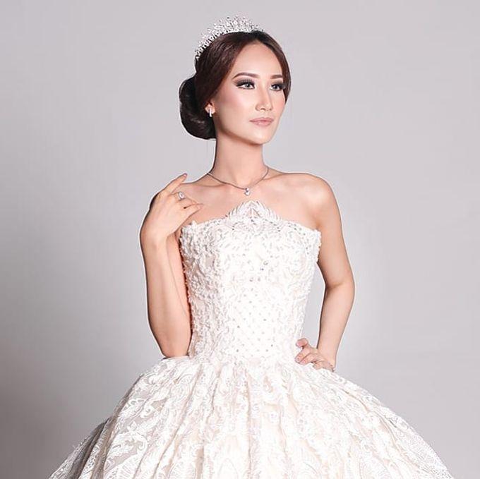 Bridal Fashion Show by Nadya Artamara Make Up Artist - 001