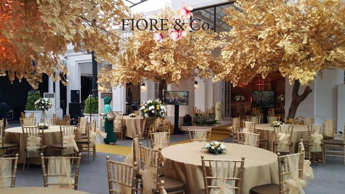 Golden Wedding Anniversary Decoration by FIORE & Co. Decoration - 004