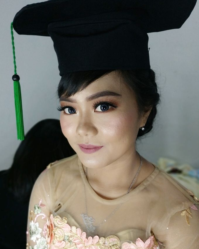 Graduation Makeup by Desy Lestari Makeup - 001