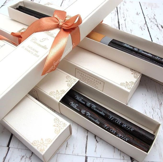 Wooden Chopstick Include Personalised Box by Fine Souvenir - 001