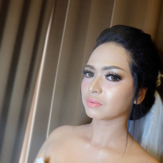 Wedding Makeup by nisarosa_house - 001