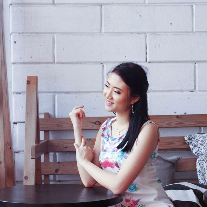 Photoshoot Makeup For Clothing Shop by Devina Martina Sulam Alis - 003