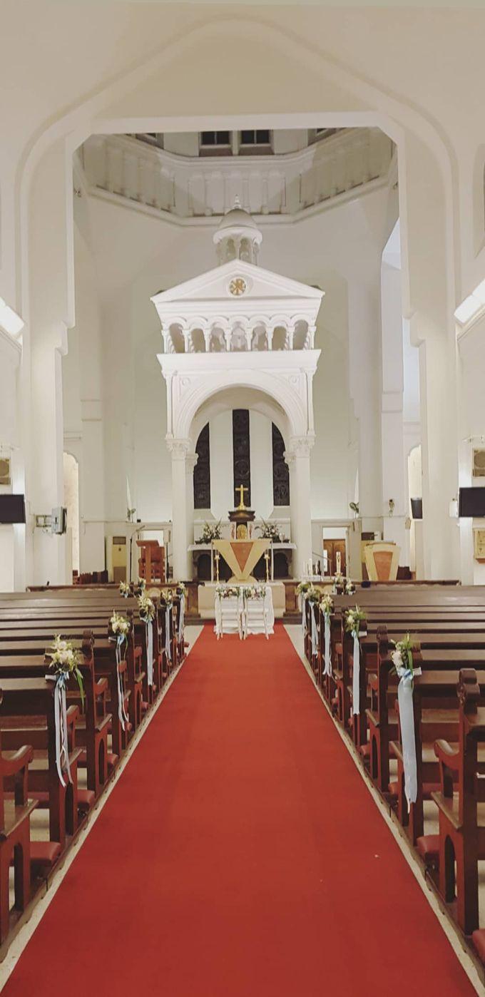 Mike & Jocelyn Church Wedding by Happyflorals - 001