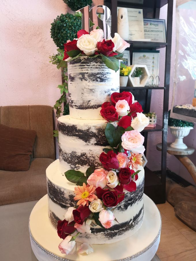 Customized Wedding Naked Cake Rustic Themed Cake by Crumbs Cake Art Bakeshop - 002