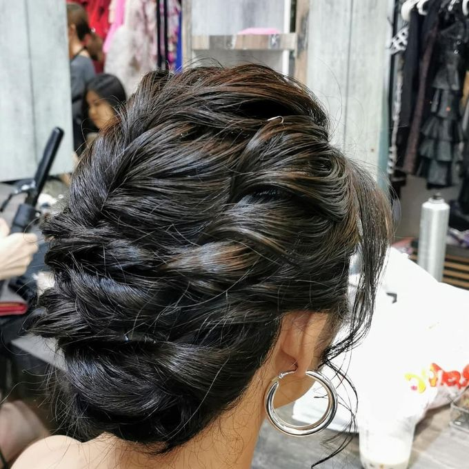 Hairstyling By Lili by Lili Makeup Specialist - 040