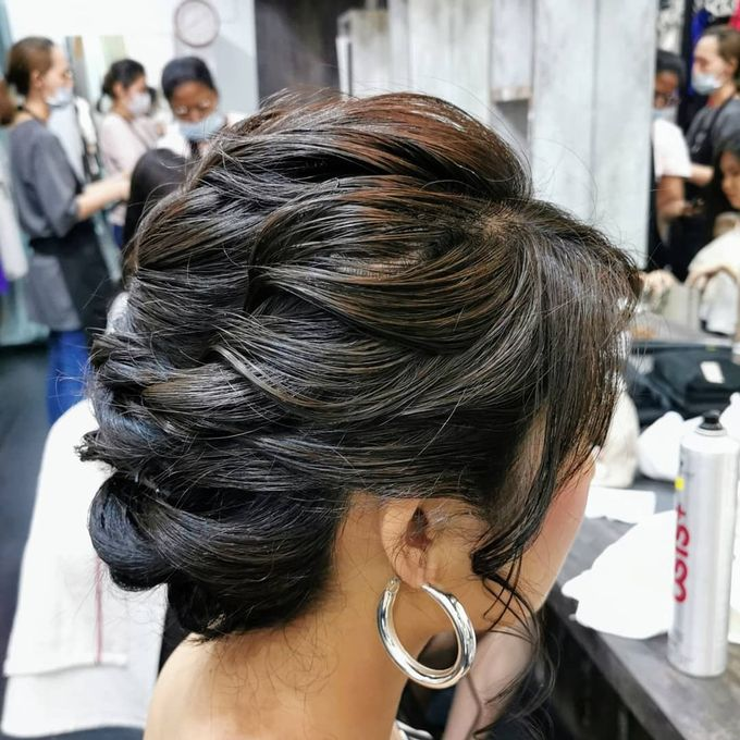 Hairstyling By Lili by Lili Makeup Specialist - 041